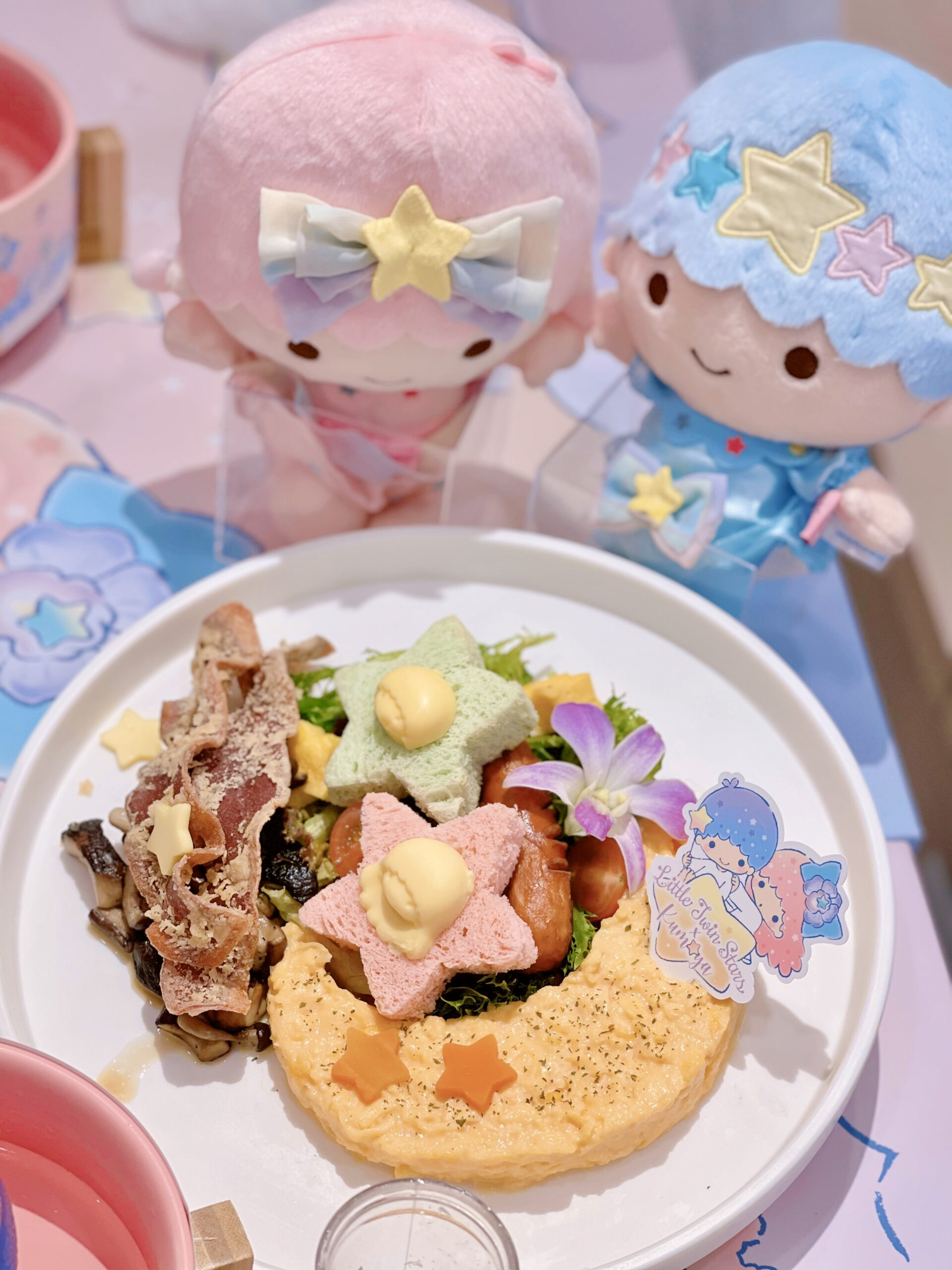 Little Twins Stars x Kumoya Cafe